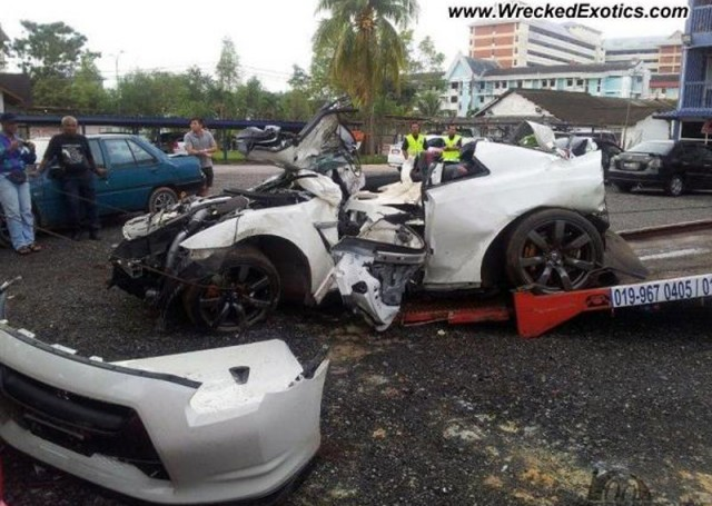 Wreckage of double Nissan GT-R crash in Malaysia - Image courtesy of Wrecked Exotics