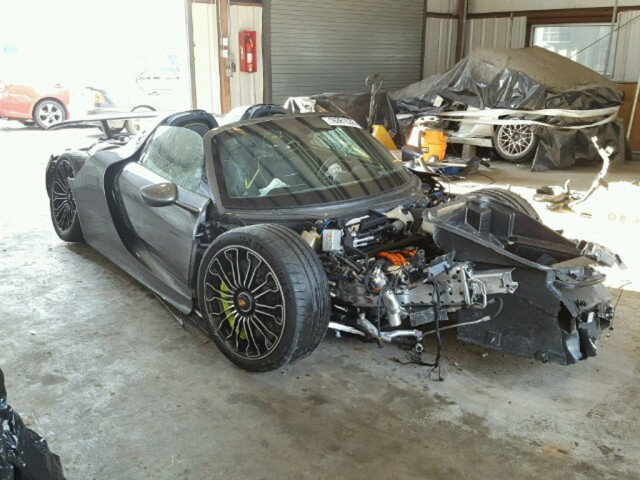 porsche 918 spyder turns up at salvage auction. Black Bedroom Furniture Sets. Home Design Ideas
