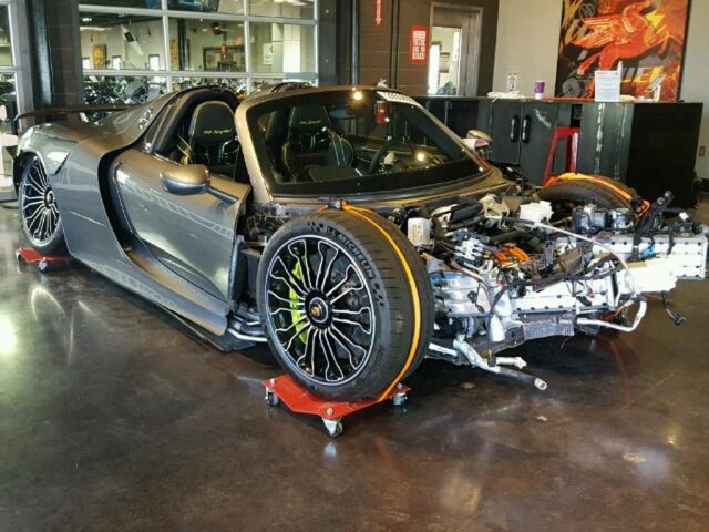 after failing to sell wrecked porsche 918 spyder starts. Black Bedroom Furniture Sets. Home Design Ideas