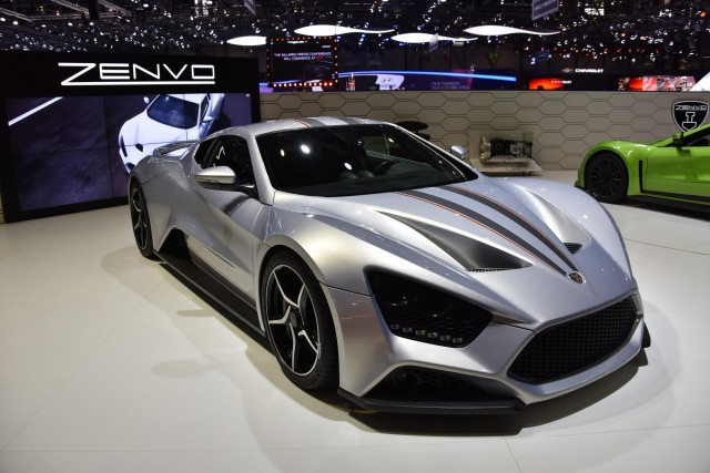 Ford focus rs zenvo st1 audi r8 lms car news headlines for Ford motor company news headlines