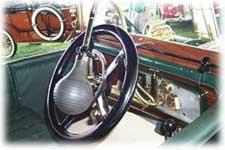 1911 Daimler Touring car king size horn
