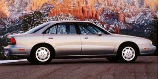 1998 Oldsmobile 88 Photo