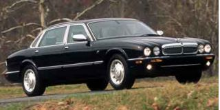 2000 Jaguar XJ Photo
