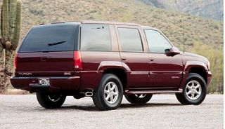 2000 GMC Yukon Denali Photo