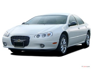 Angular Front Exterior View - 2003 Chrysler Concorde 4-door Sedan LX