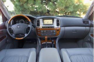 2003 Lexus LX470