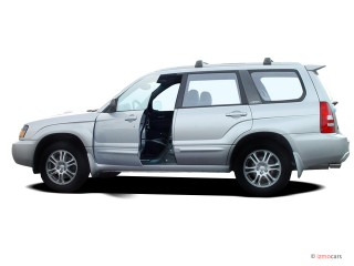 2004 Subaru Forester Photo