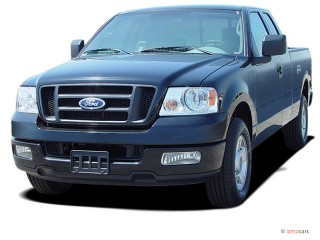 "2005 Ford F-150 Supercab 133"" STX Angular Front Exterior View"