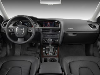 2009 Audi A5 2-door Coupe Auto Dashboard