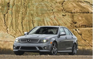 2010 Mercedes-Benz C63 AMG Photo
