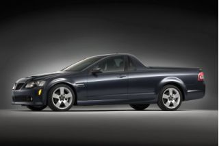 2010 Pontiac G8 Photo