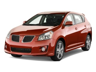 2010 Pontiac Vibe Photo