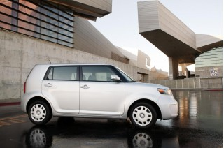 2010 Scion xB Photo