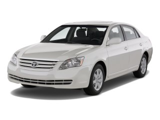2010 Toyota Avalon 4-door Sedan XL (NAT) Angular Front Exterior View