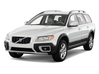 2010 Volvo XC70 4-door Wagon 3.2L Angular Front Exterior View