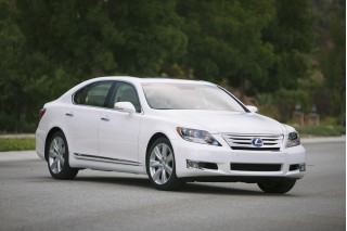 2012 Lexus LS 600h L Photo