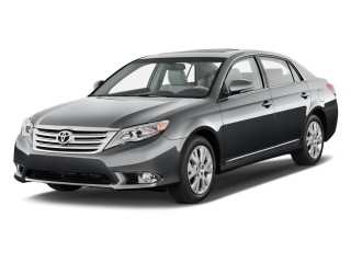 2011 Toyota Avalon 4-door Sedan (NAT) Angular Front Exterior View