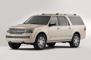 2013 Lincoln Navigator L Photo