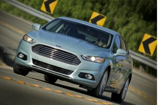 2014 Ford Fusion Hybrid Photo