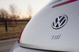 Judge 'inclined' to sign VW diesel settlement, decision by Oct 25
