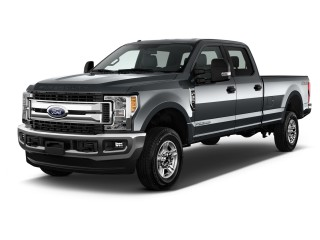 2017 Ford Super Duty F-350 SRW XLT 4WD Crew Cab 8' Box Angular Front Exterior View