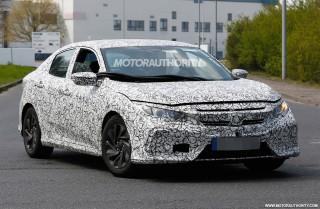 2017 Honda Civic Hatchback spy shots - Image via S. Baldauf/SB-Medien