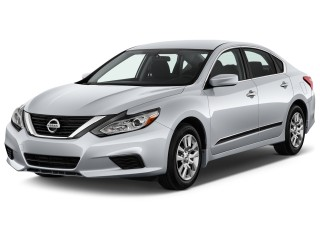 2017 Nissan Altima Photos