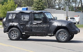 2018 Jeep Wrangler Ultimate spy shots - Image via S. Baldauf/SB-Medien