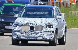 2019 Mercedes-Benz GLE spy shots - Image via S. Baldauf/SB-Median