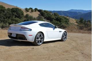 2010 Aston Martin Vantage Photo