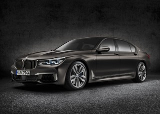 BMW 7-Series Gets V-12-Powered M Performance Model