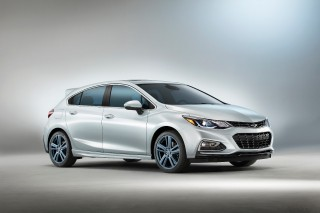 Chevrolet Cruze Hatch RS Blue Line