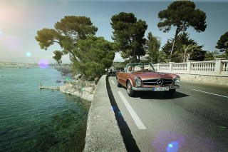 Classic Mercedes-Benz SL on the French Riviera