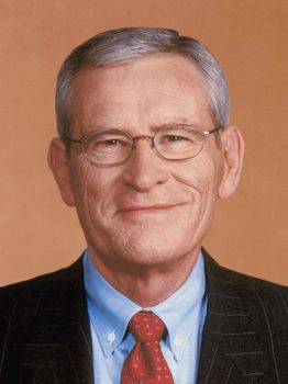 General Motors chairman Edward Whitacre Jr.