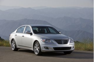 2010 Hyundai Genesis Photo