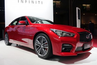 2017 Infiniti Q50 debuts in Paris with minor updates