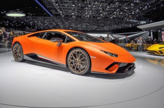 Lamborghini hints at faster Huracán
