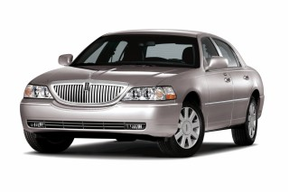 2010 Lincoln Town Car Photo