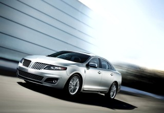 2011 Lincoln MKS Photo