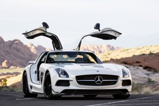 2014 Mercedes-Benz SLS AMG GT Photo