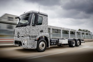 Mercedes beats Tesla to electric truck