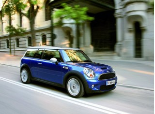 2010 MINI Cooper Clubman Photo