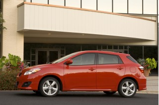 2010 Toyota Matrix Photo
