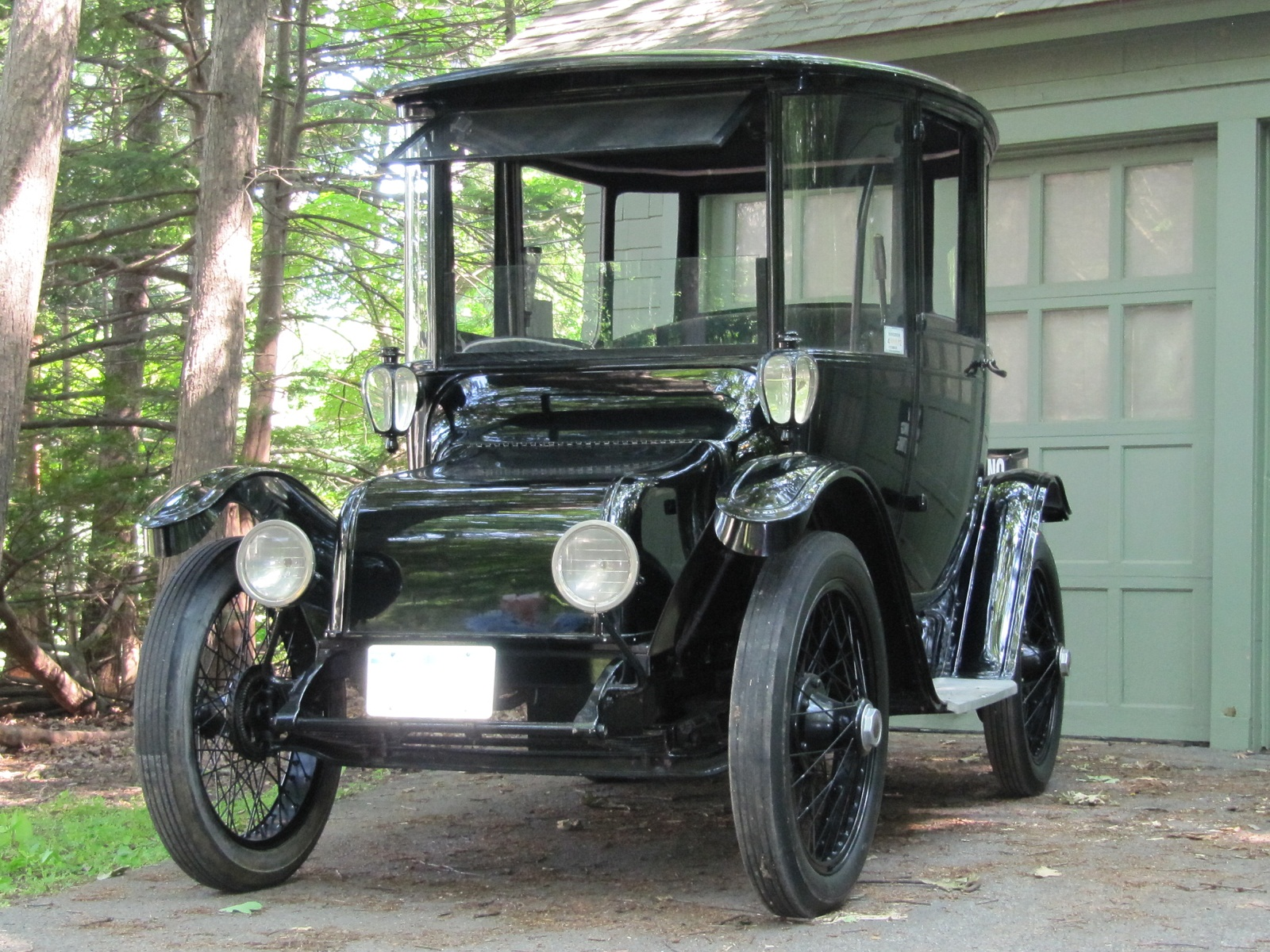 Historic Electric Vehicle Foundation Set Up To Preserve