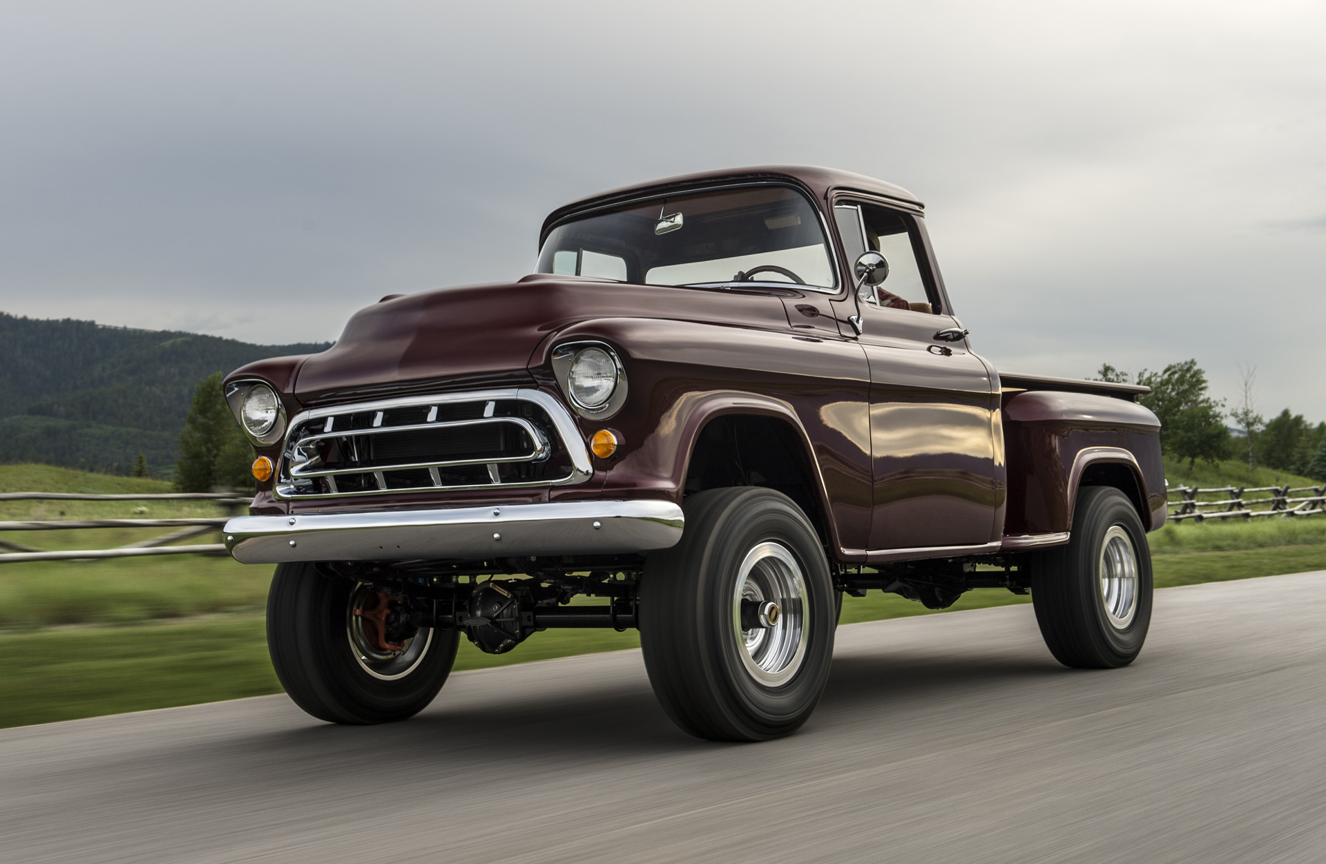 Hybrid Pickup Trucks >> Legacy Classic Trucks returns with 1950s Chevy NAPCO 4x4