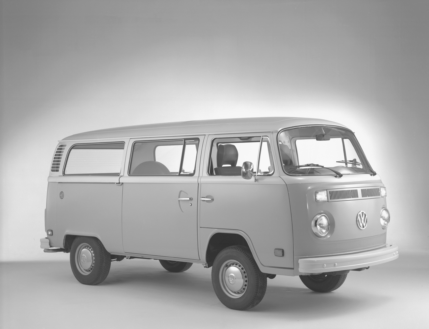 vw bus hybrid that never was the microbus prototype of 1977. Black Bedroom Furniture Sets. Home Design Ideas