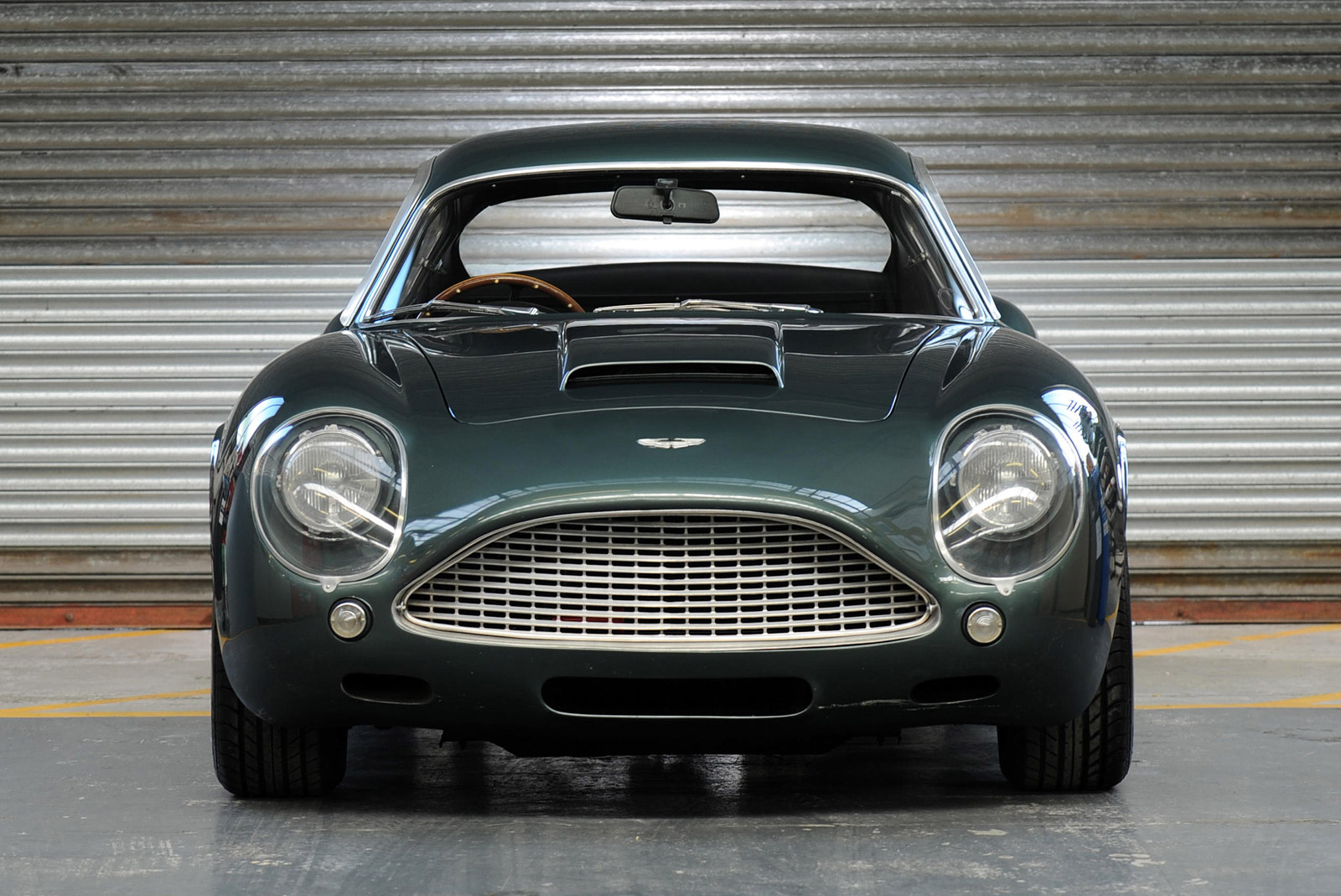 Rare Aston Martin Db4 Gt Zagato Sells For 1 9 Million