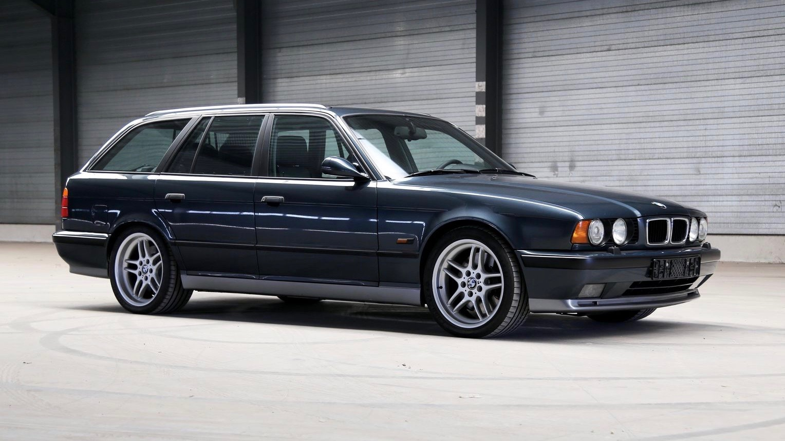 Swagger wagon: 1995 BMW M5 wagon for sale in the US