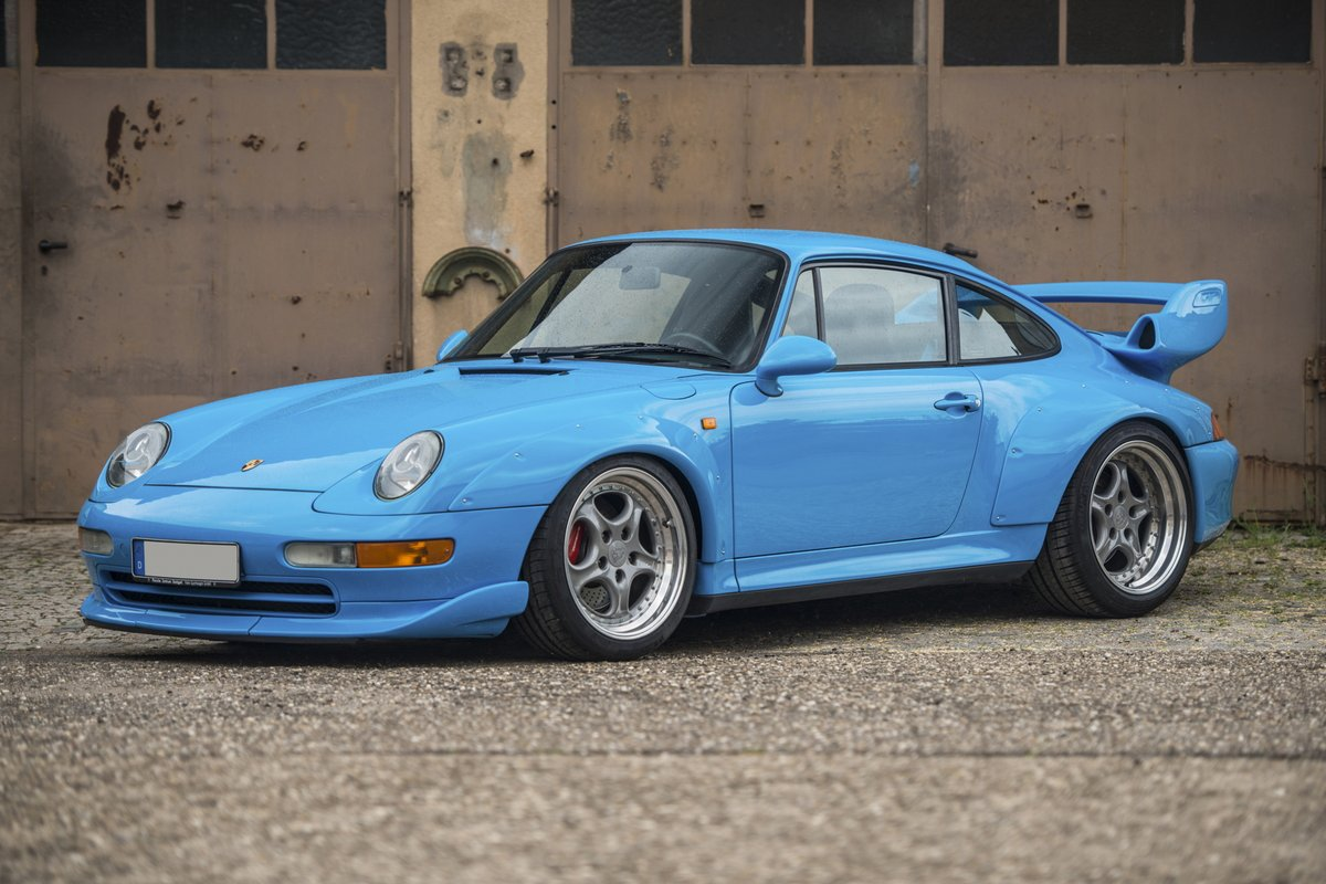 1995 porsche 911 gt2 sells for 2 4 million. Black Bedroom Furniture Sets. Home Design Ideas