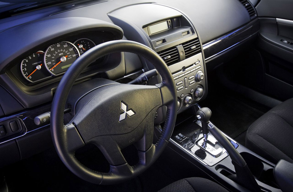 Mitsubishi Galant 2014 Interior